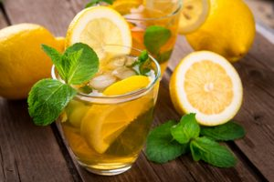 Mint-and-lemon-kombucha